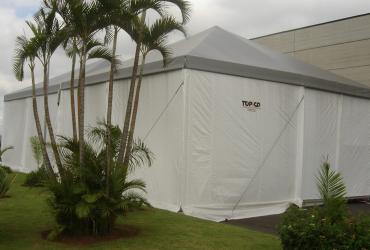 Tendas acopladas com vão 10m cada – Zeta